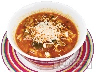 Рецепта Пуста - супа с говеждо месо, чушки, домати и овче сирене